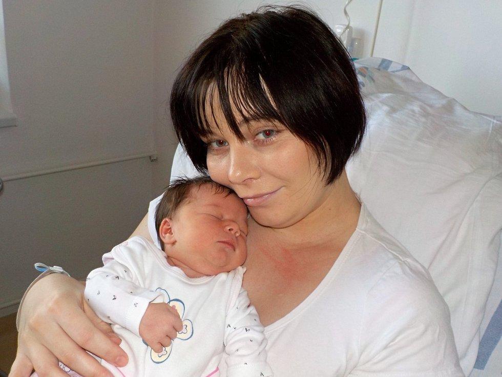 Helena Sodomková se narodila s váhou 3430 g 28. 12. v 17.29 hodin Šárce a Jiřímu z Dolní Dobrouče. Těší se na ni i sourozenci Marta a Jiří.