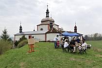 Malířský a fotografický plenér u kaple sv. Jana Nepomuckého na Kopečku v Letohradu.