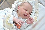 Matěj Šípek je po Adélce a Barborce třetím dítětem Petry a Miloslava z Písečné. Když se 19. dubna v 13.46 hodin narodil, vážil 4,100 kg.