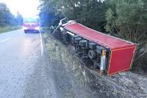 Havárie kamionu na silnici mezi Českou Třebovou a Třebovicí.