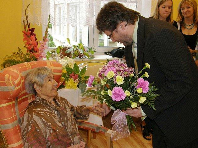 Anna Jansová z Ústí nad Orlicí oslavila 100. narozeniny.