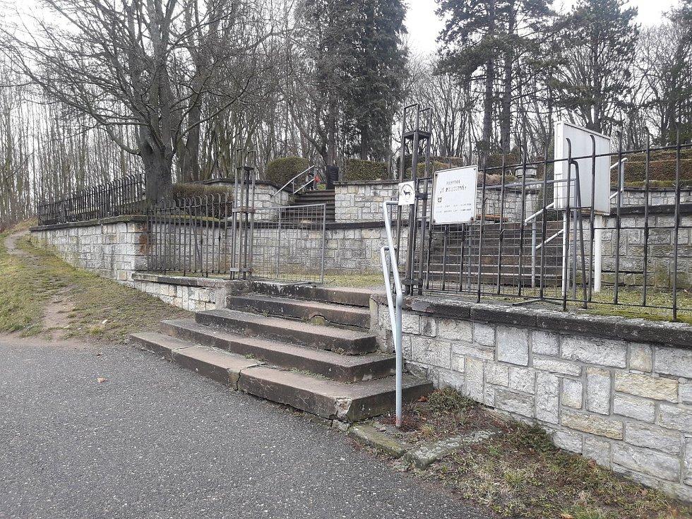 Urnový háj v Chocni, FCB TS Choceň