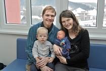 Jan Hillebrant se narodil 30. 12. v 16.42 hodin. Radost z něj mají rodiče Šárka a Jiří a bráškové Péťa a Kubíček z Jablonného nad Orlicí. Chlapeček vážil 3,7 kg.