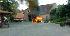 Požár nákladního auta v Hrušové.