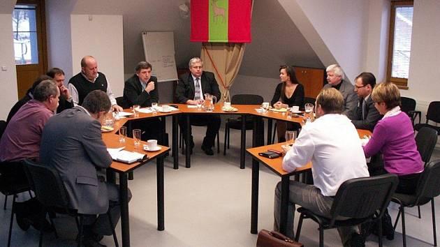 Zástupci významných regionálních firem jednali na radnici o středním školství.