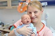 Zdeněk Chyla je první radostí pro Moniku a Milana z České Třebové. Když se 19. 6. v 17.13 hodin narodil, vážil 2,870 kg.