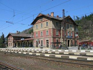 Budova nádraží ČD v Ústí nad Orlicí.