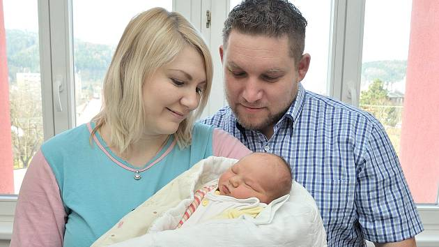 Laura Hrabáčková bude doma s rodiči Andreou Štursovou a Pavlem Hrabáčkem a sestřičkou Miou v Lanškrouně. Když se 13. března v 23.38 hodin narodila, vážila 3,73 kg.