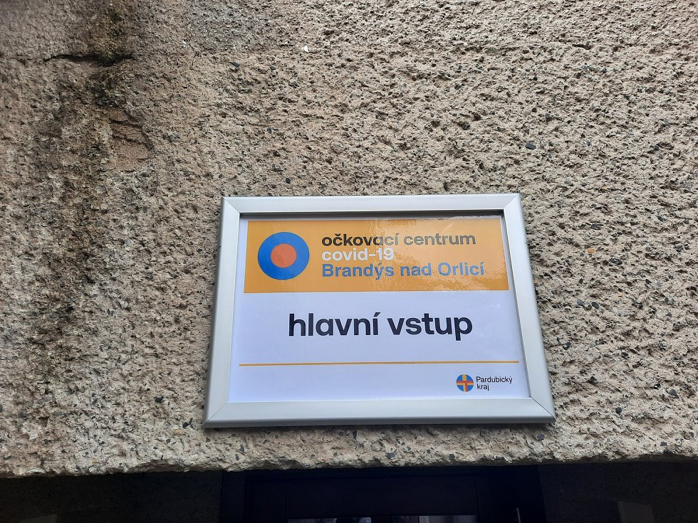 Hlavní vstup do očkovacího centra v Brandýse nad Orlicí