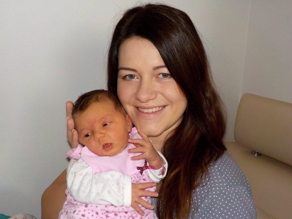 Tatiana Ferková se narodila s váhou 4040 g dne 29. 11. v 8.02 hodin Janě a Michalovi z Dolní Sloupnice. Doma bude těšit i bratříčka Michálka.