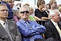 Miloš Zeman působil při loňské návštěvě oslav 750 let Vysoké Mýta uvolněně a bezstarostně. Od pátku mu ovšem starosti přibyly. Není to jen tak, být hlavou státu.