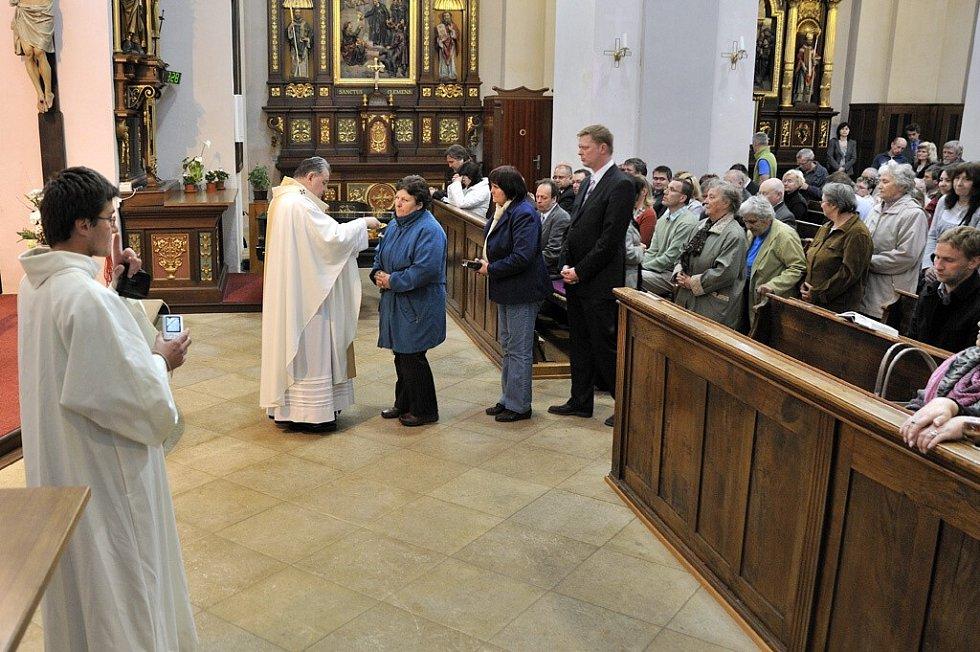 Otevření Památníku obětem internace v klášteře na Hoře Matky Boží v Králíkách.