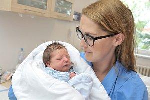 Ondřej Moravec je po Rozálce druhým dítětem do rodiny Veroniky a Ondřeje z Letohradu. Chlapeček se s váhou 3,38 kg narodil 12. 6. v 14.04 hodin.