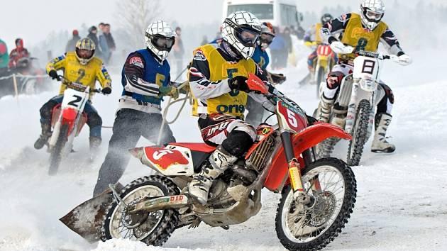 Mistrovství ČR v motoskijöringu v Ústí nad Orlicí.