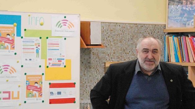Z otevření Konzultačního centra pro podporu žákovských parlamentů.
