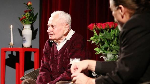Jiří Hetfleiš, dlouholetý sportovní činovník a organizátor, hlasatel celé řady významných sportovních podniků, statistik, publicista.