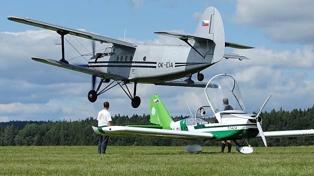 Slet letadel v Ústí.