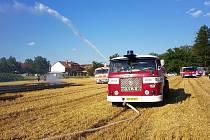 Požár u obce Běstovice