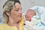 Lukáš Merkl bude doma s rodiči Pavlou a Petrem a bráškou Tomáškem v Kerharticích. Chlapeček se narodil 19. dubna v 21.47 hodin a vážil 3,780 kg.