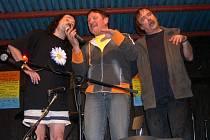 Loni v Ústí mj. účinkovali (zleva) Vlasta Redl, Jaroslav Lenk a Slávek Janoušek.
