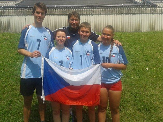 Českotřebovští volejbalisté, kteří se účastnili světových her ve Vídni.