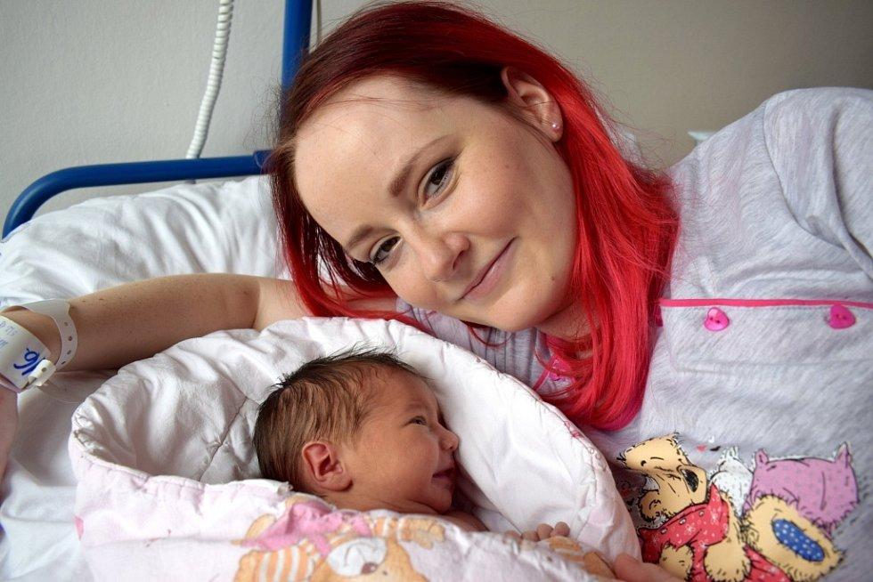 Daniela Marešová bude doma s rodiči Lucií a Silvestrem  v České Třebové. Narodila se 5. 2. ve 12.37 s váhou 2,890 kg.