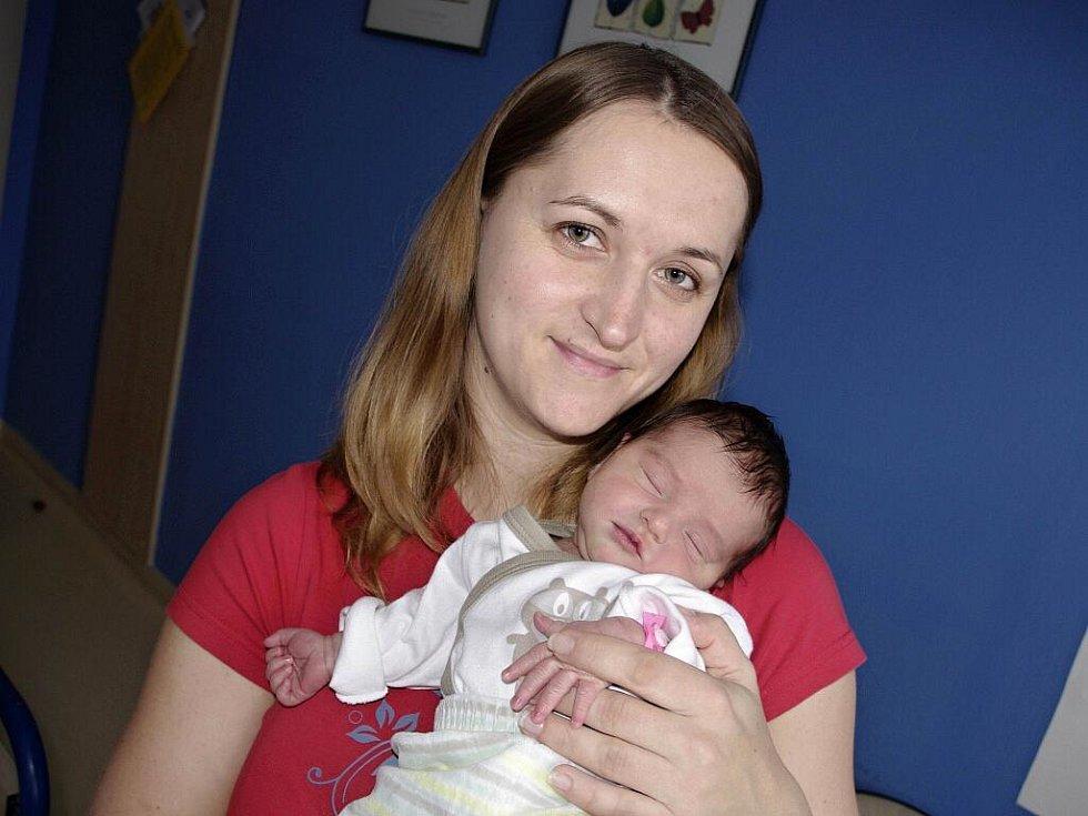 Štěpánka Faltusová těší od 10. prosince od 7.25 hodin rodiče Kateřinu a Milana z Klášterce nad Orlicí. Po porodu vážila 2,76 kg.