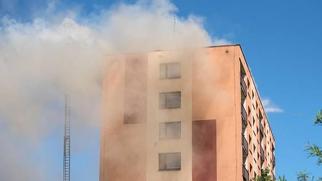 Požár paneláku v České Třebové
