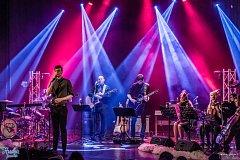 Festival Hudba pomáhá zakončil jedenáctý ročník koncertem skupiny Parkoviště pro velbloudy ve Vysokém Mýtě.