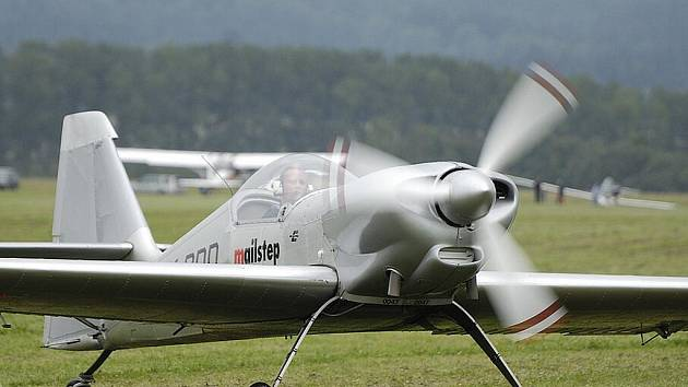 Slet letadel v Ústí nad Orlicí.