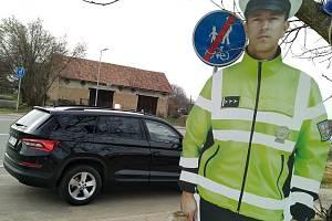 Odcizená maketa policisty