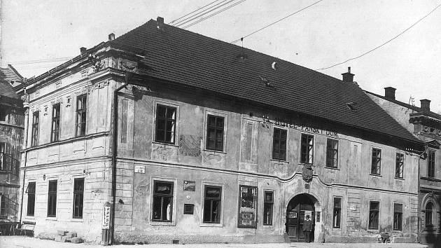 Pohled na budovu Panského domu z konce 19. století, Foto: Orlické muzeum Choceň