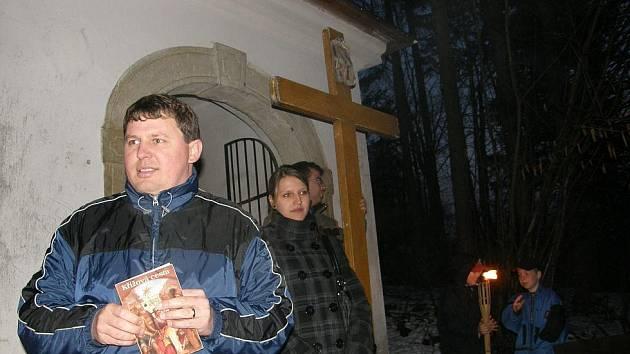 Tradiční křížová cesta v Ústí.