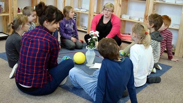 Ze života Montessori třídy v Jamném nad Orlicí.
