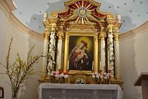 Horákova kaple je poutní místo v lese, nedaleko obce Dolní Dobrouč.