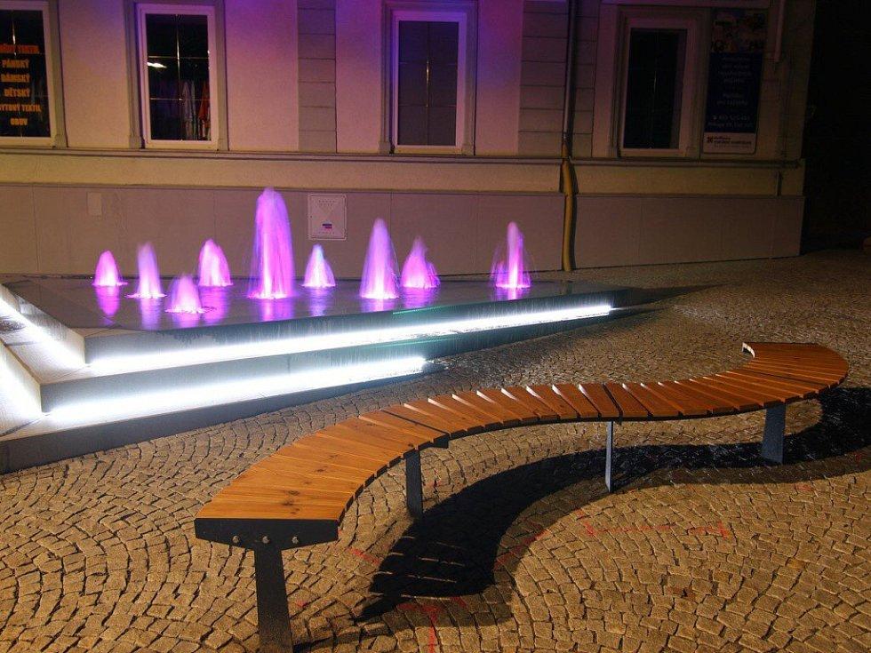 Ulici T. G. Masaryka v Ústí zdobí nová fontána.