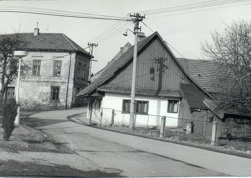 Hostinec Na Ostrově vlevo, únor 1992