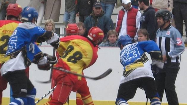 Na úvodním vítězství. Extraligové derby vyhrál Letohrad vysoko 6:2.