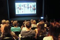 V ústecké Malé scéně začal nový cyklus přednášek o umění.