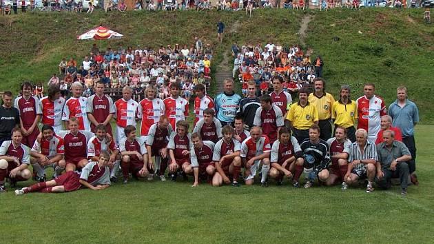 Fotbalisté Kunvaldu předvedli v zápase s internacionály pražské Slavie dobrý výkon.