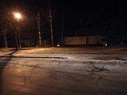 Sníh, silný vítr a náledí komplikovaly dopravu