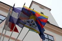 Tibetská vlajka v Ústí nad Orlicí.