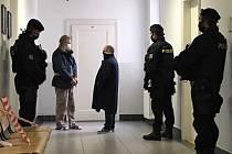 Rozhoduje se o vazbě pro Libora Souhradu