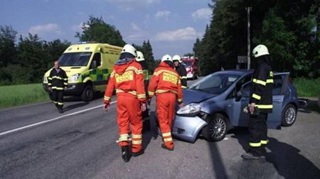 V České Třebové se srazilo auto s motocyklistou.