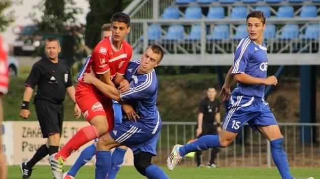 NEJVYŠŠÍHO VÍTĚZSTVÍ během podzimní části dosáhli fotbalisté Letohradu v domácím utkání proti rezervě Pardubic, kterou rozstříleli pěti góly.