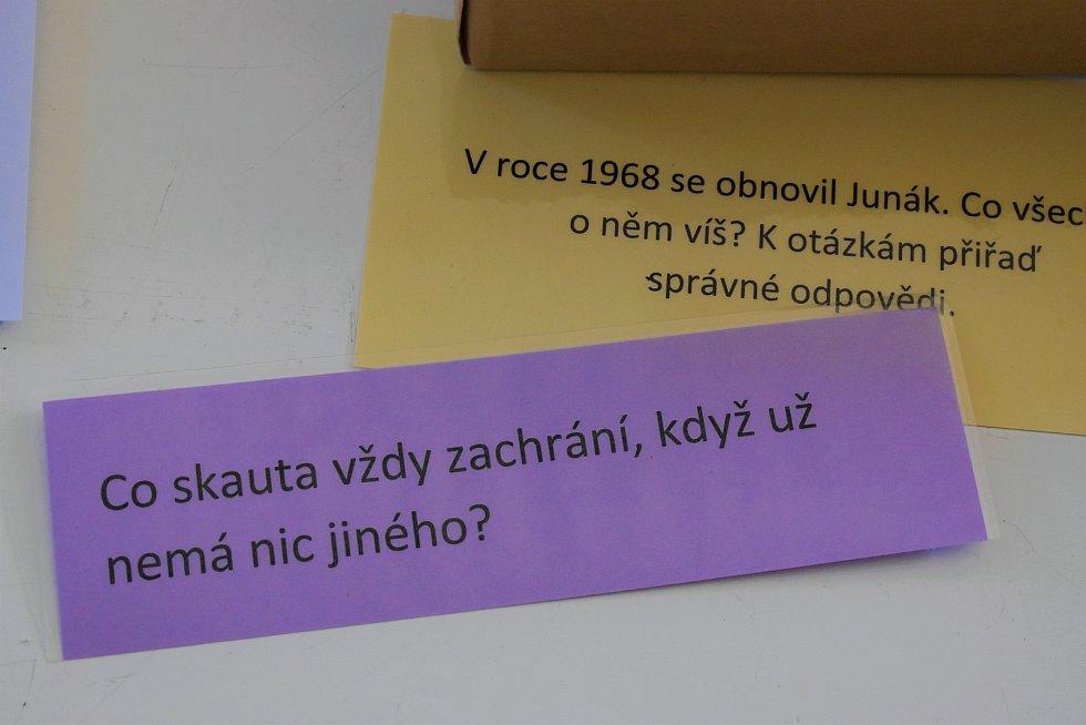 Z bratrů okupanti – to je název projektu a výstavy, který společně připravili zvídaví žáci a podporující paní učitelka ze Základní školy Svatopluka Čecha. Společně tak prozkoumali lokální atmosféru srpnových dnů, kdy do Československa vtrhla okupační vojs