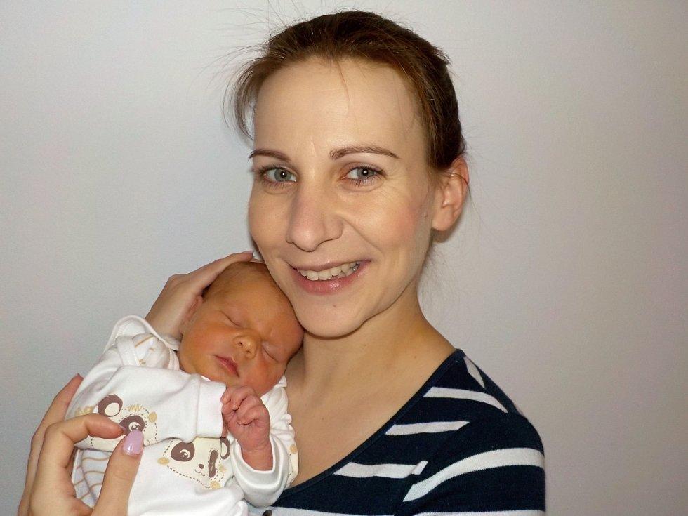 Natálie Chromcová je po Viktorii další holčička Martiny Zemánkové a Petra Chromce z Moravské Třebové. Přišla na svět s váhou 2870 g dne 2. 12. v 7.49 hodin.