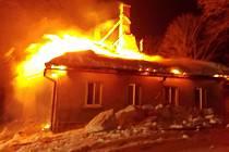 V Českých Petrovicích hořela fara.