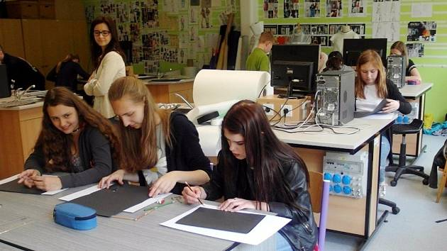 Fashion workshop na ústecké uměleckoprůmyslové škole.