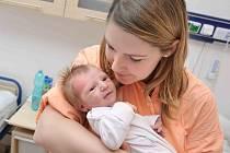 Rozárka Moravcová se narodila 2. ledna a navážili jí 2,950 kg. Pyšný otec za svou rodinou  dorazil ráno o půl druhé.